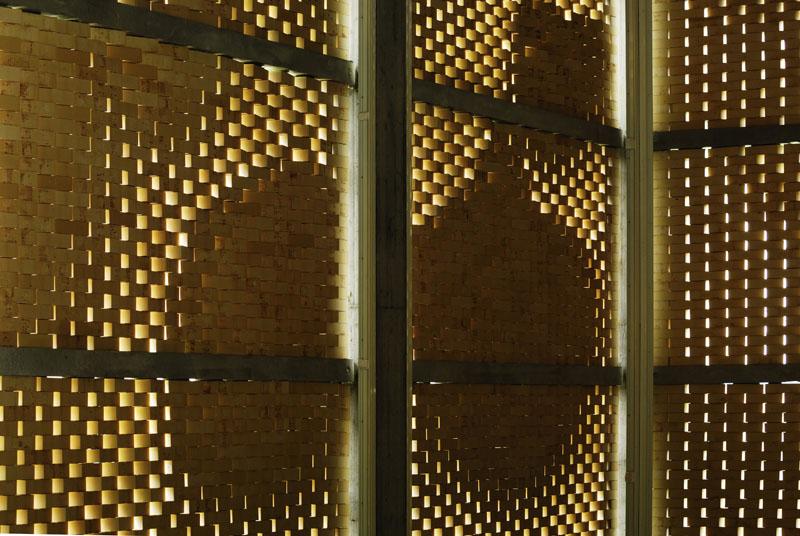 Das Bild von Trauben sollte an den Fassaden nach aussen kommuniziert werden. Je nach Blickrichtung ergeben sich mehr offene und geschlossene Bereiche im Mauerwerk.