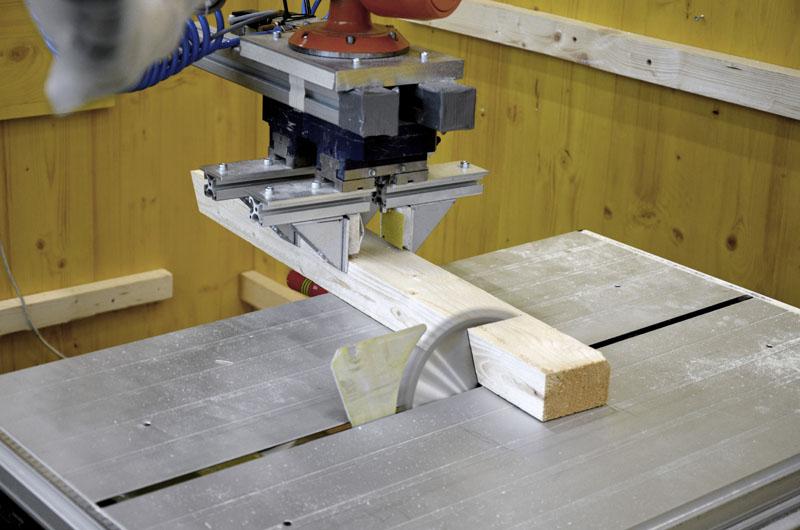 Robot sawing