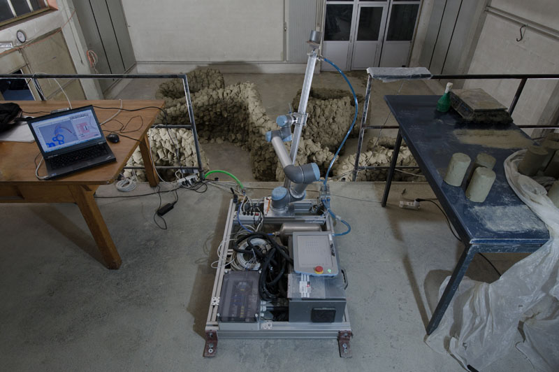 Robotic fabrication setup