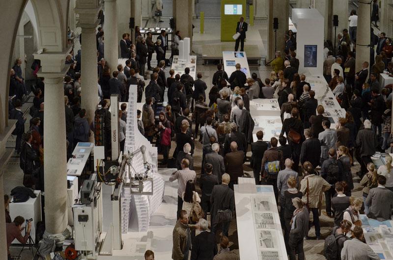 Impression von der Vernissage der FCL Ausstellung am 24.9.2014 in der ETH Haupthalle.
